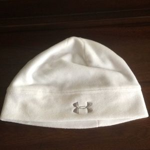 White under armor winter / running hat